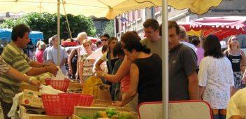 Le marché d'Alba-la-Romaine